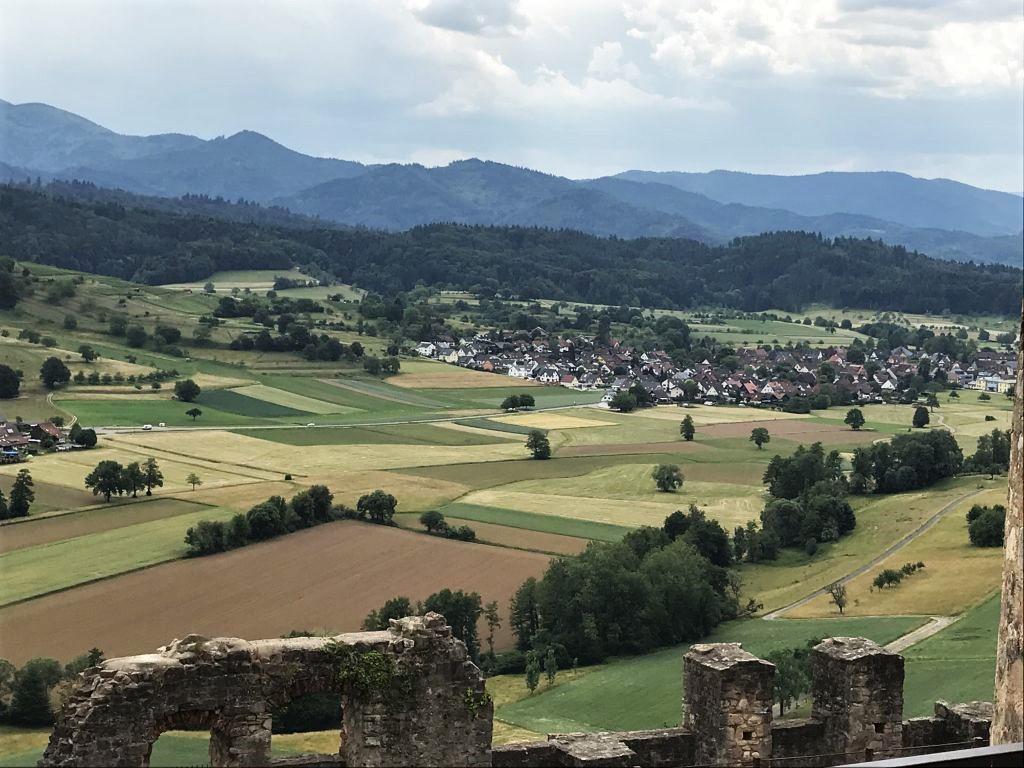 Blick in den Schwarzwald von der Hochburg bei Emmendingen