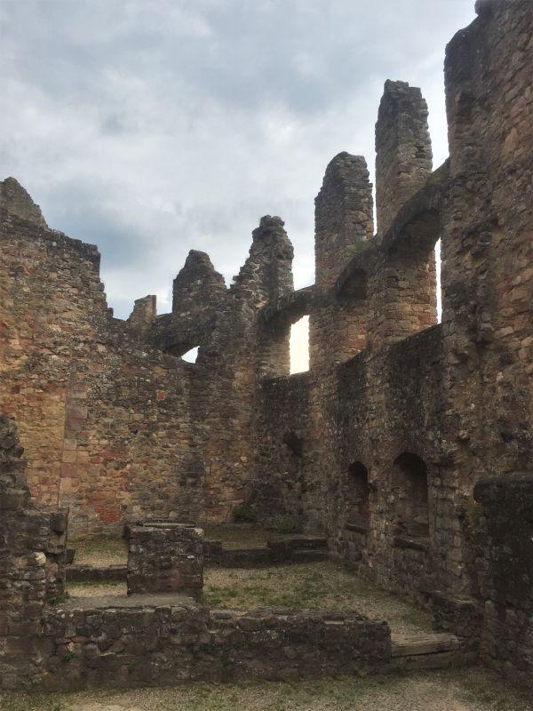 Ruinen des Renaissanceschlosses auf der Hochburg