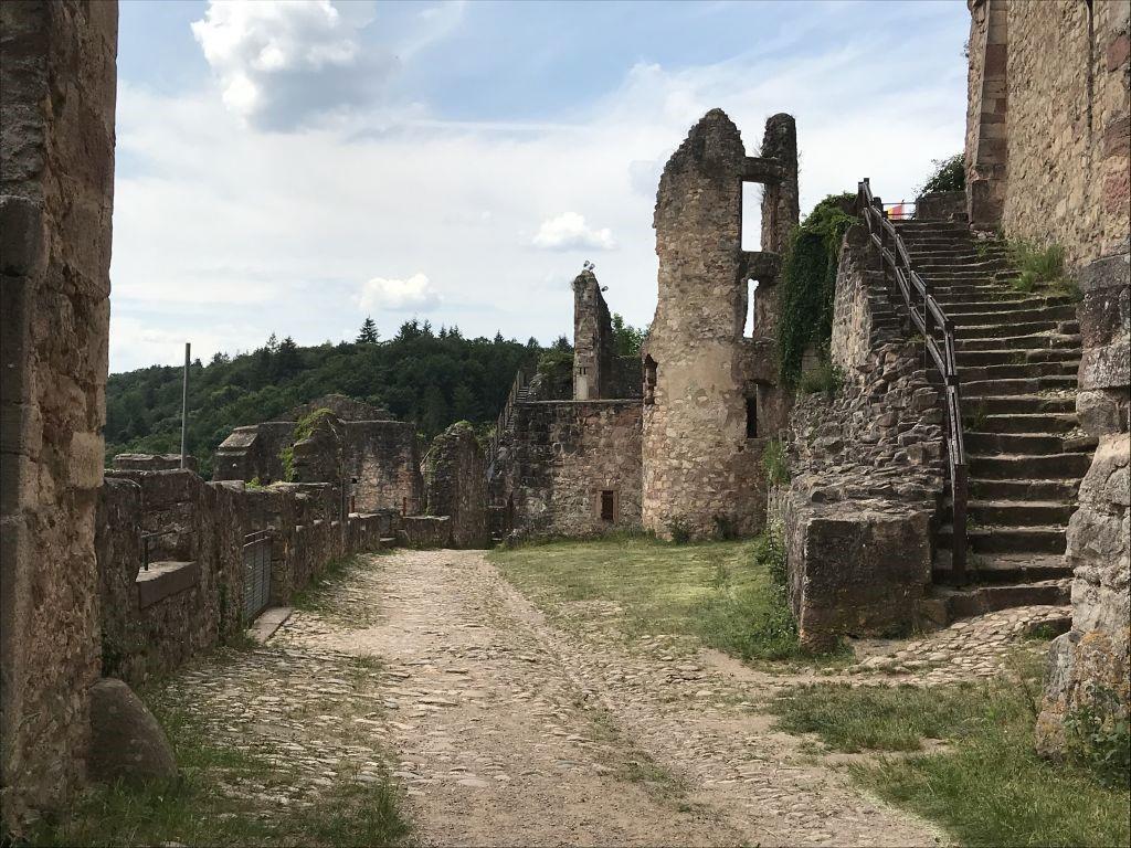 Zwinger mit der Eselsritt-Treppe auf der Hochburg