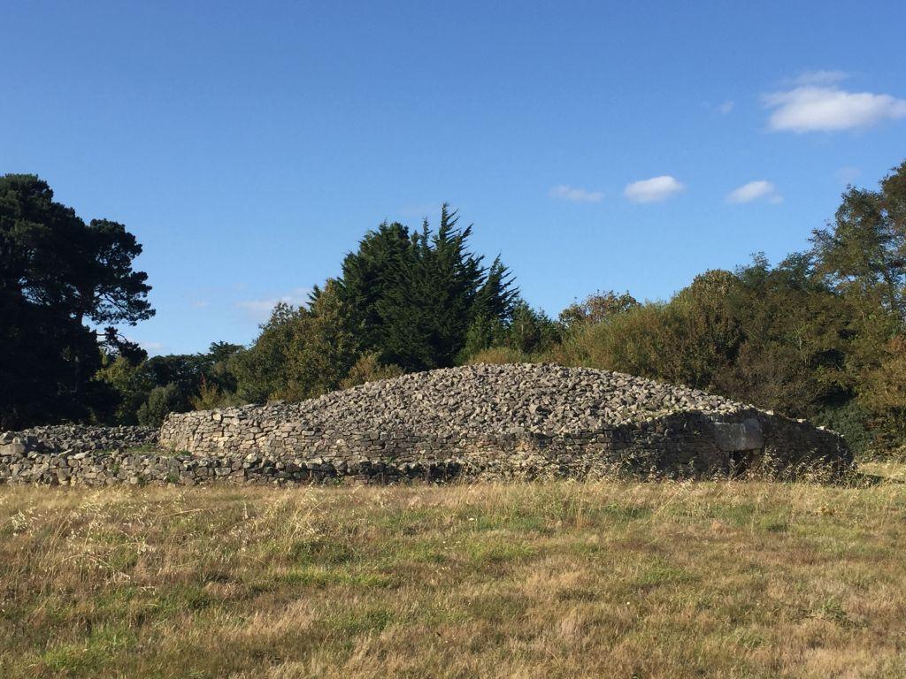 Dolmen Table des Marchand im Megalithenemuseum von Locmariaquer, Bretagne