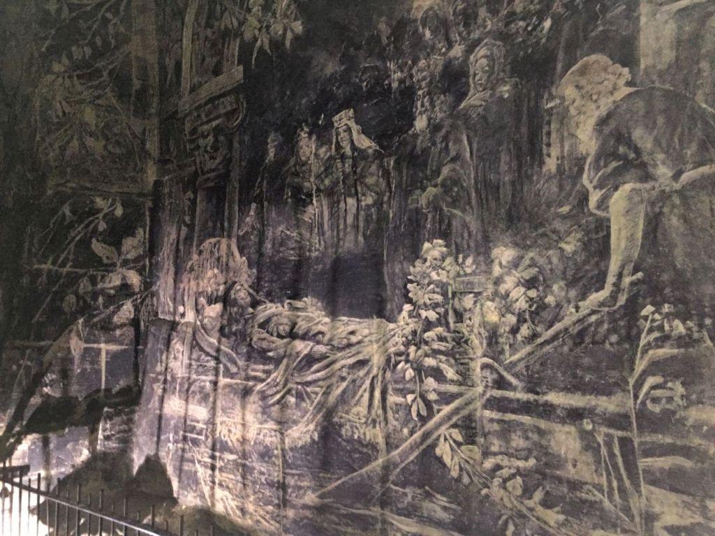 Bild vom Tod Alixes, das auf die Mergelwand der Fluweelengrotte in Valkenburg gemalt wurde.