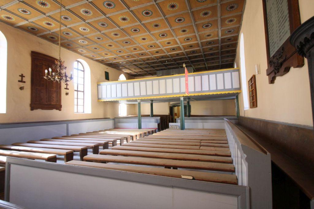 Innenraum der evangelischen Kirche in Wolkendorf, Burzenland