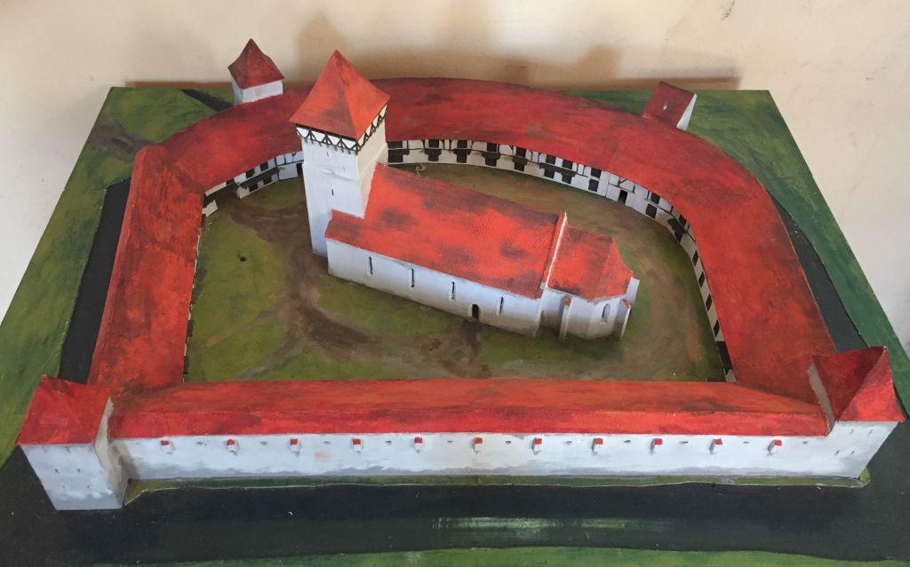 Modell der Kirchenburg von Wolkendorf, Siebenbuergen