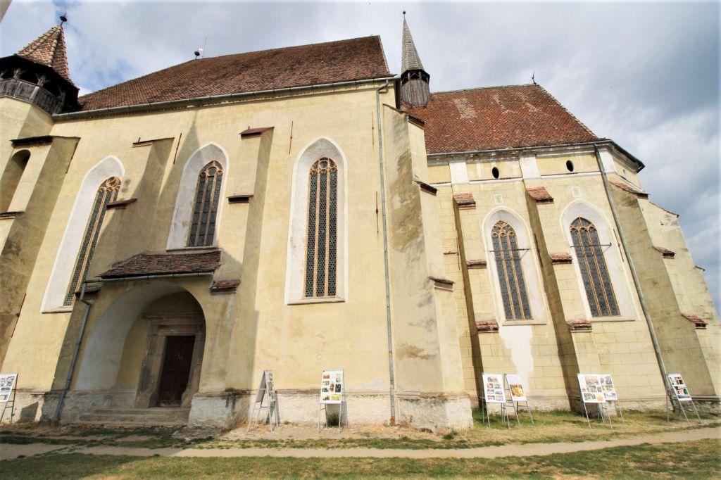 Suedfassade der Kirche von Birthaelm / Biertan