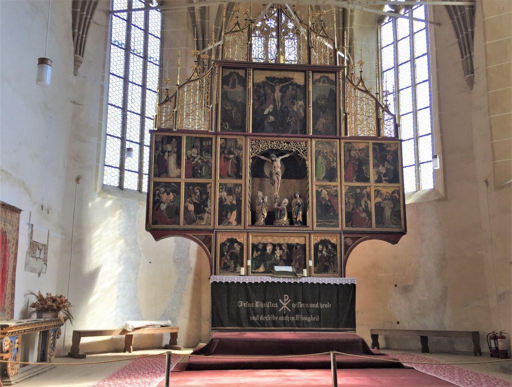 Altar der UNESCO-Wehrkirche von Birthaelm / Biertan in Siebenbuergen