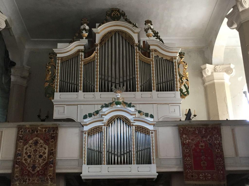 klassizistische Orgel in der evangelischen Kirche von Petersberg, Sanpetru