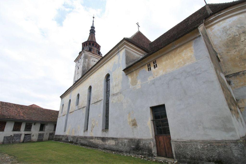 Kirchenburg von Petersberg, Sanpetru