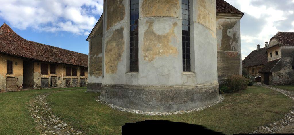 Kirchhof der Kirchenburg von Petersberg, Sanpetru