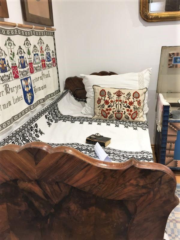 saechsisches Hochbett im Museum der Traditionen in Zeiden / Codlea
