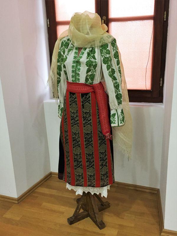 Frauentracht im Museum der Traditionen in Zeiden / Codlea