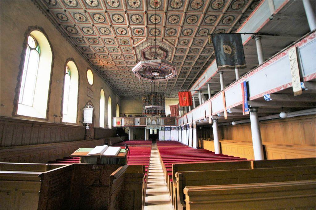 Blick vom Chor in das Innere der evangelischen Kirche von Zeiden / Codlea