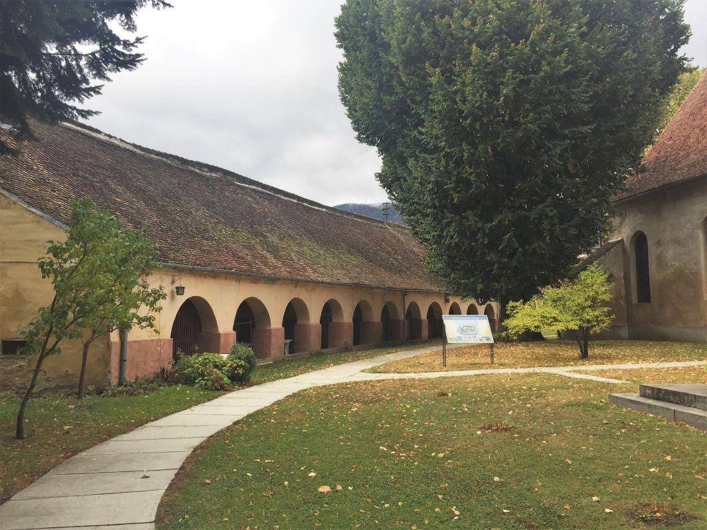Mauerring der Kirchenburg von Zeiden mit Kornkammern