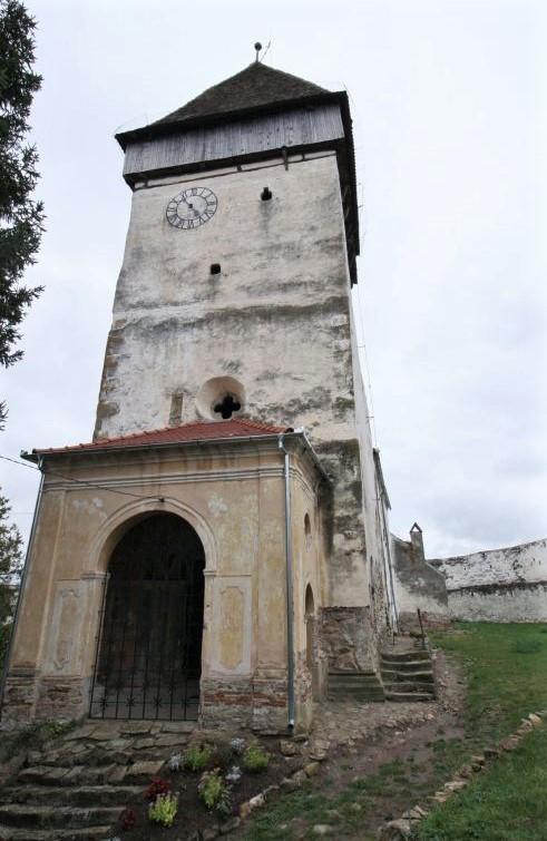 Westportal und Glockenturm der Kirchenburg von Holzmengen, Hosman