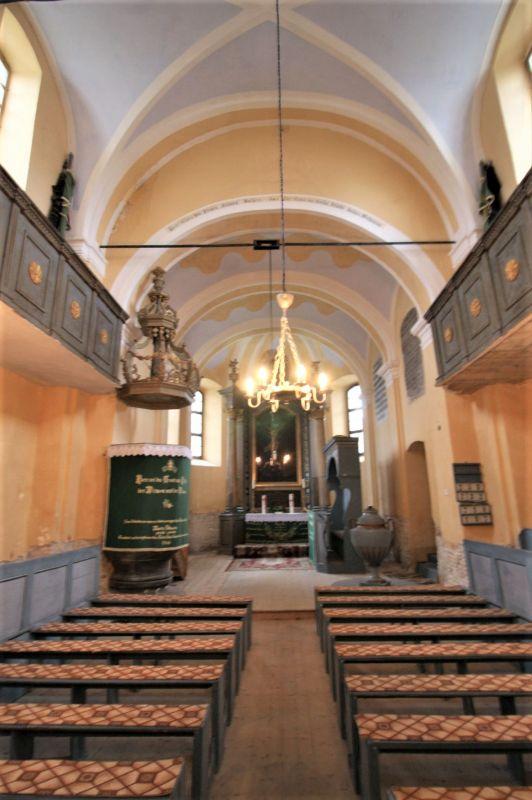 Innenraum der Sacsen-Kirche von Holzmengen in Siebenbuergen