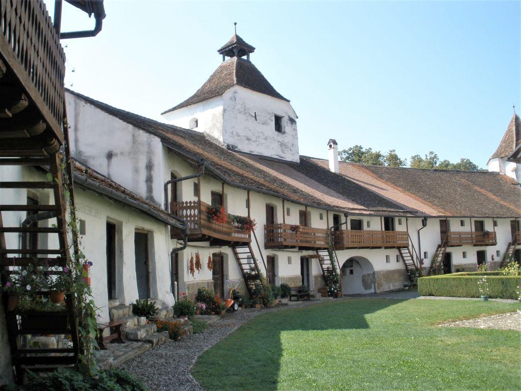 Fleischertum und Kornkammern in der Kirchenburg von Honigberg