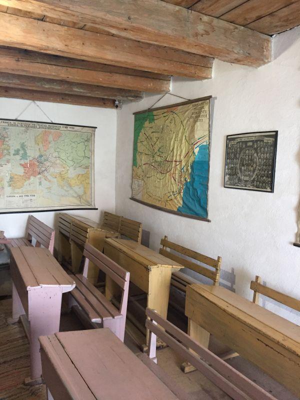 altes Klassenzimmer im Heimatmuseum in der Kirchenburg von Honigberg