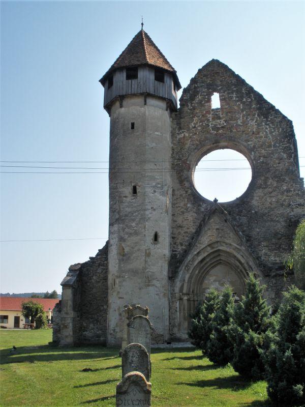 Kerzer Loch - Ruine der Westfassade des Zisterzienser Kloster in Kerz