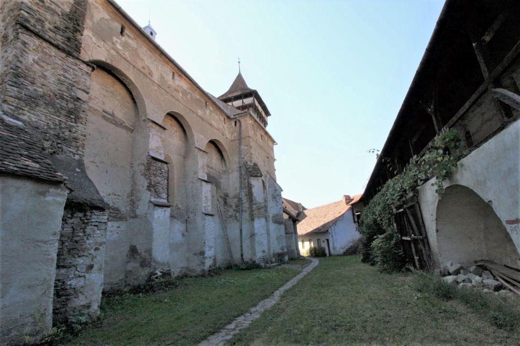 Aussenansicht der Wehrkirche von Valea Viilor, Wurmloch, Siebenbuergen