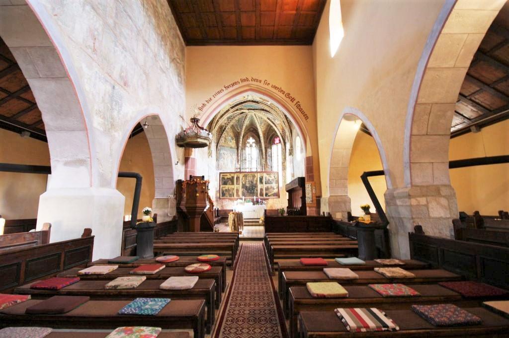 Innenansicht der Wehrkirche von Malmkrog / Malancrav - er Geheimtipp unter den saechsischen Kirchenburgen
