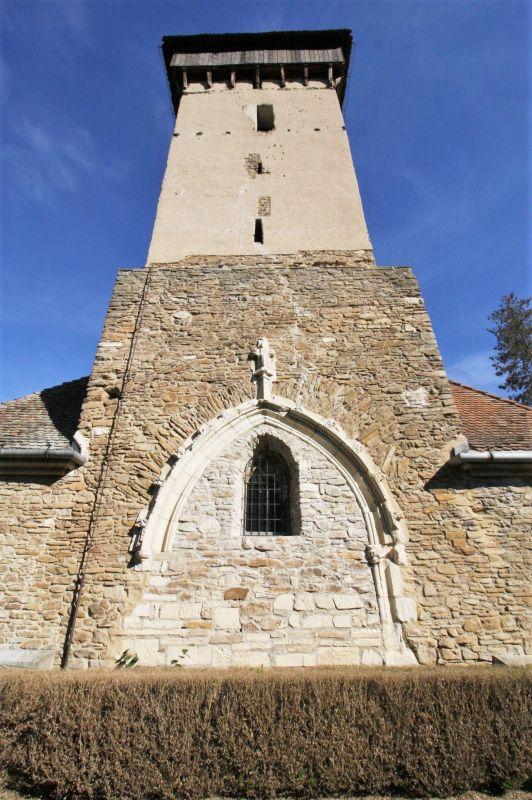 Glockenturm der siebenbuergisch-saechsischen Wehrkirche von Malmkrog