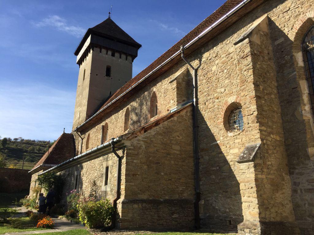 Suedfassade der Wehrkirche von Malmkrog / Malancrav - der Geheimtipp unter den saechsischen Kirchenburgen