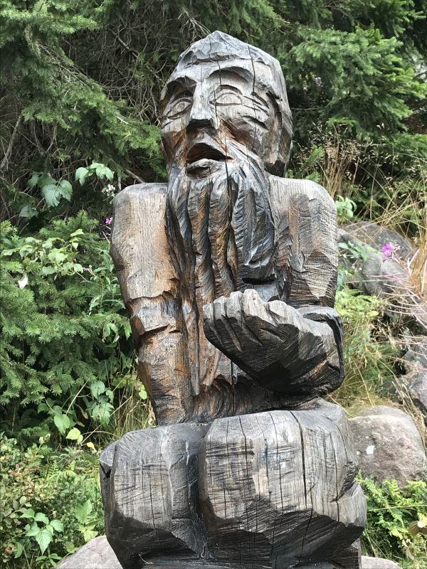Holzskulptur alter Mann