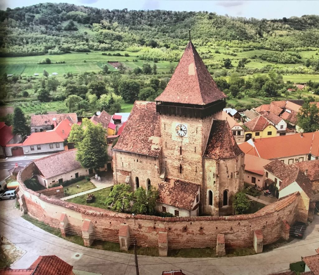 Kirchenburg von Frauendorf / Axente Sever; Fotografie aus dem Bildband Ueber Siebenbuergen