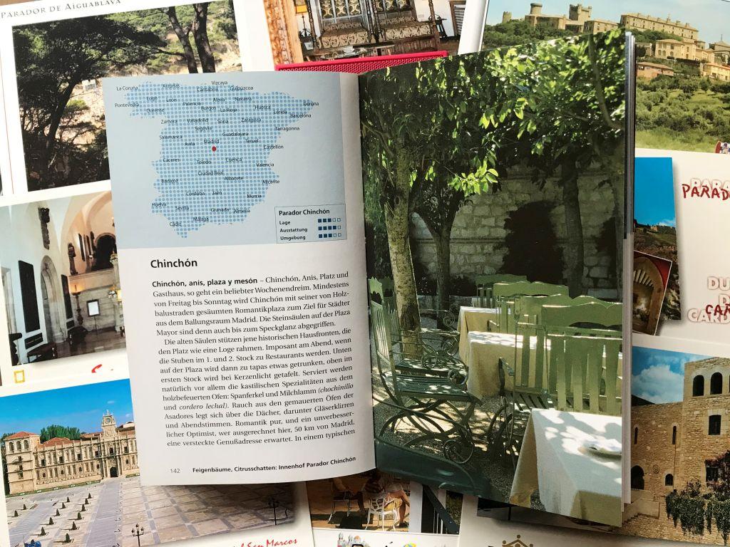 Abbildung Doppelseite aus dem Reisefuehrer Spaniens Paradores