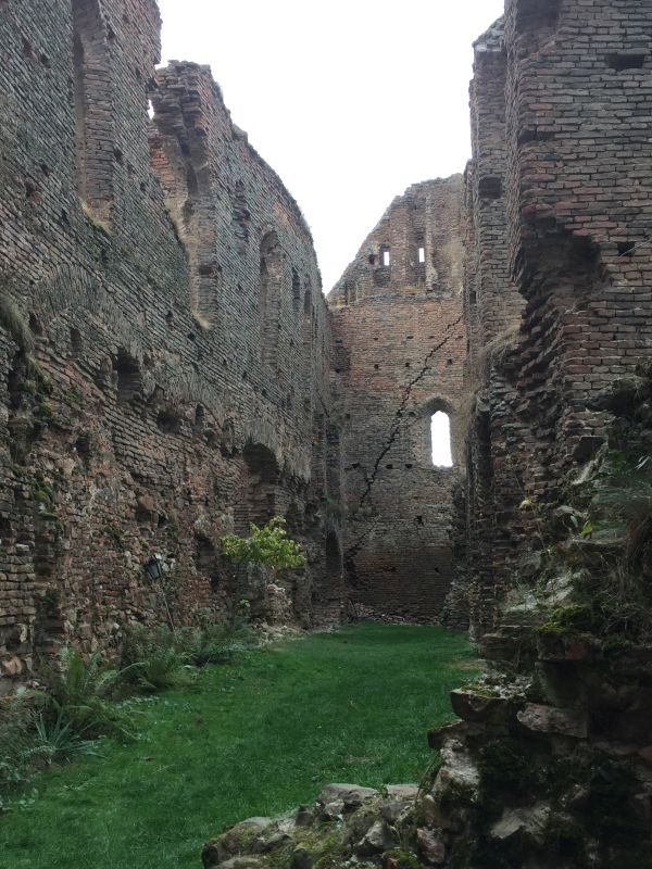 Ruine des Saalbaus auf der Stolzenburg in Slimnic, Siebenbuergen
