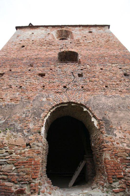 Eingang zum Glockenturm der Stolzenburg