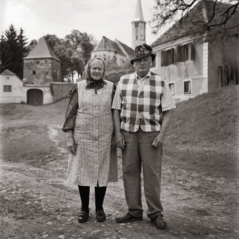 Fotografie Rosina und Johann Schoepp aus Alzen; Bildband Siebenbuergen suesse Heimat von Thomas Heller