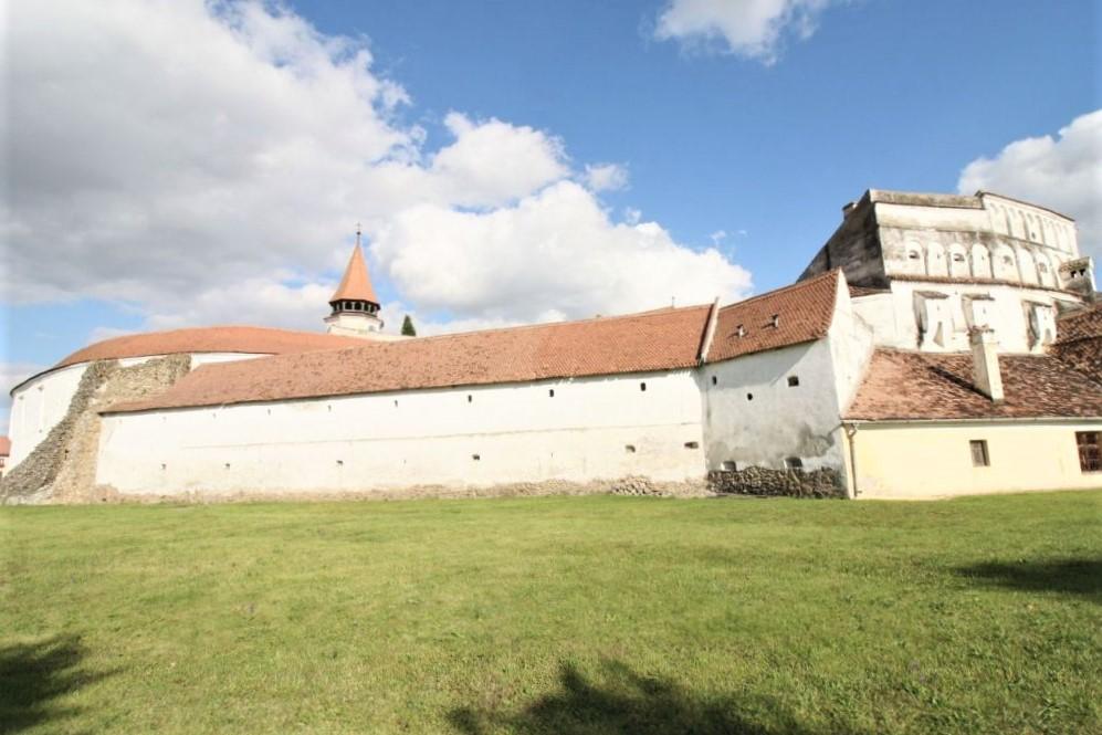 Ringmauer und Barbakane der Kirchenburg von Tartlau / Prejmer
