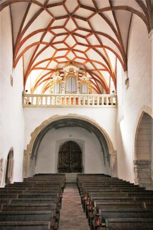 Netzgewölbe im Langschiff der Heilig Kreuz Kirche in Tartlau in Siebenbuergen