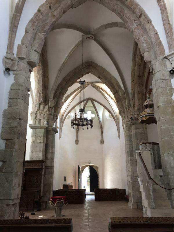 Innenraum der Heilig Kreuz Kirche in Tartlau in Siebenbuergen