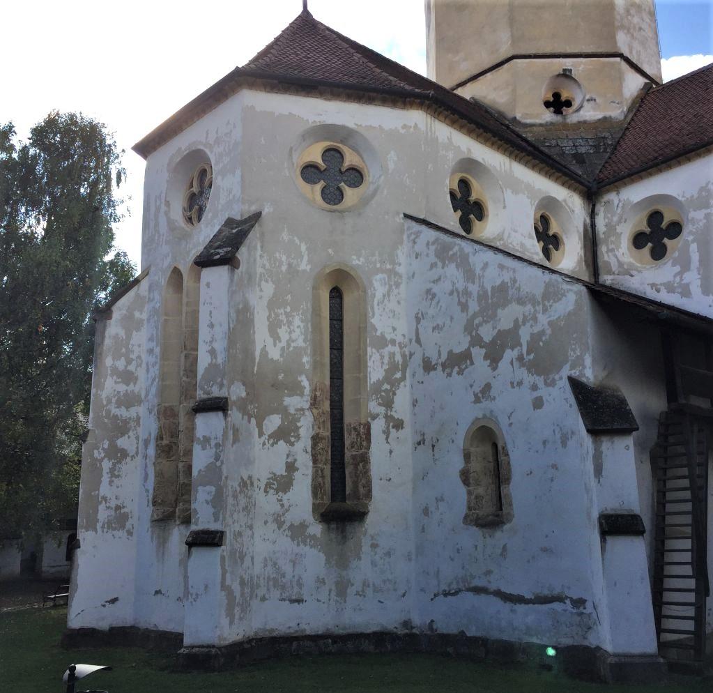 Aussenansicht Chorraum der Heilig Kreuz Kirche von Tartlau / Prejmer