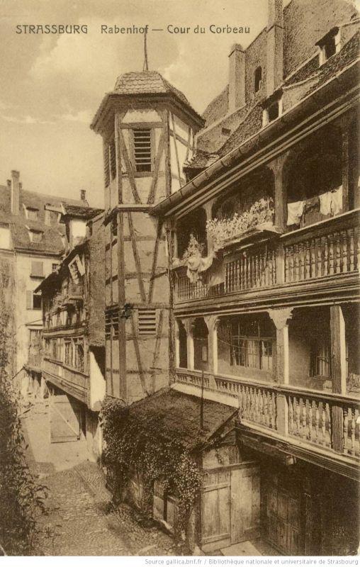 Postkarte des Rabenhofs - Cour du Corbeau in Strassburg 1910