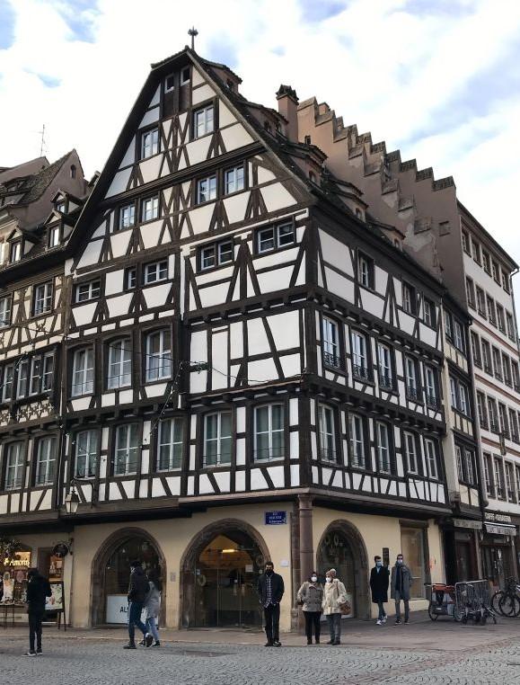 Fachwerkhaus der ehemaligen Pharmacie du Cerf in Strassburg