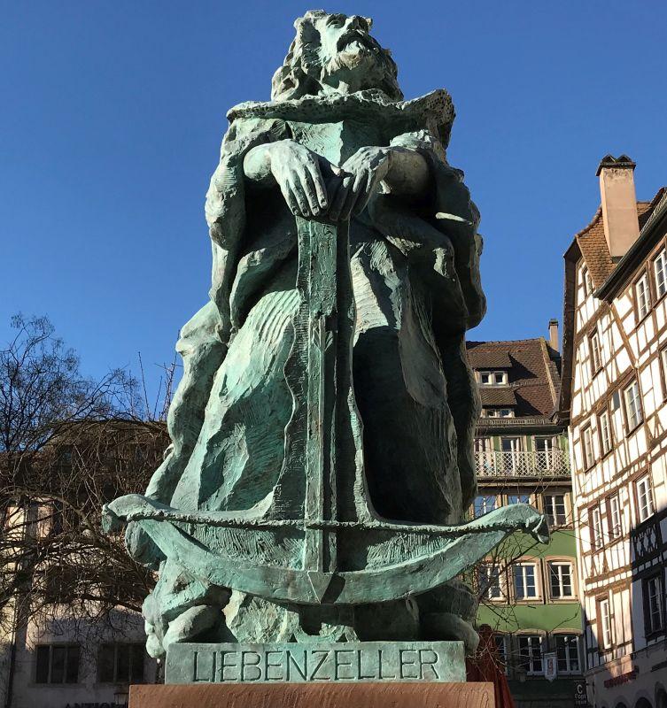 Statue des Lokalhelden Reinold Liebenzeller in Strasbourg