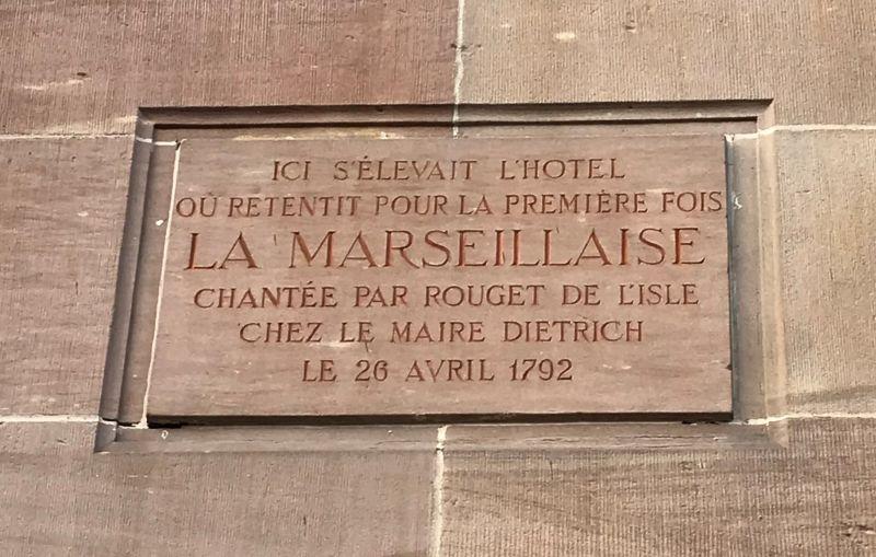 Marseillaise-Gedenktafel am Gebaeude der Banque de France in Strasbourg