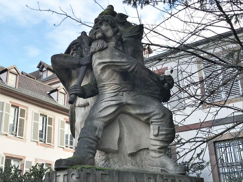 Denkmal Marseillaise mit zwei Revolutionssoldaten, Place Broglie Strasbourg