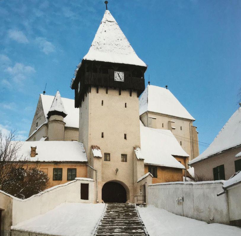 Eingang zur Kirchenburg von Baassen aus dem Buch Einblicke ins Zwischenkokelgebiet