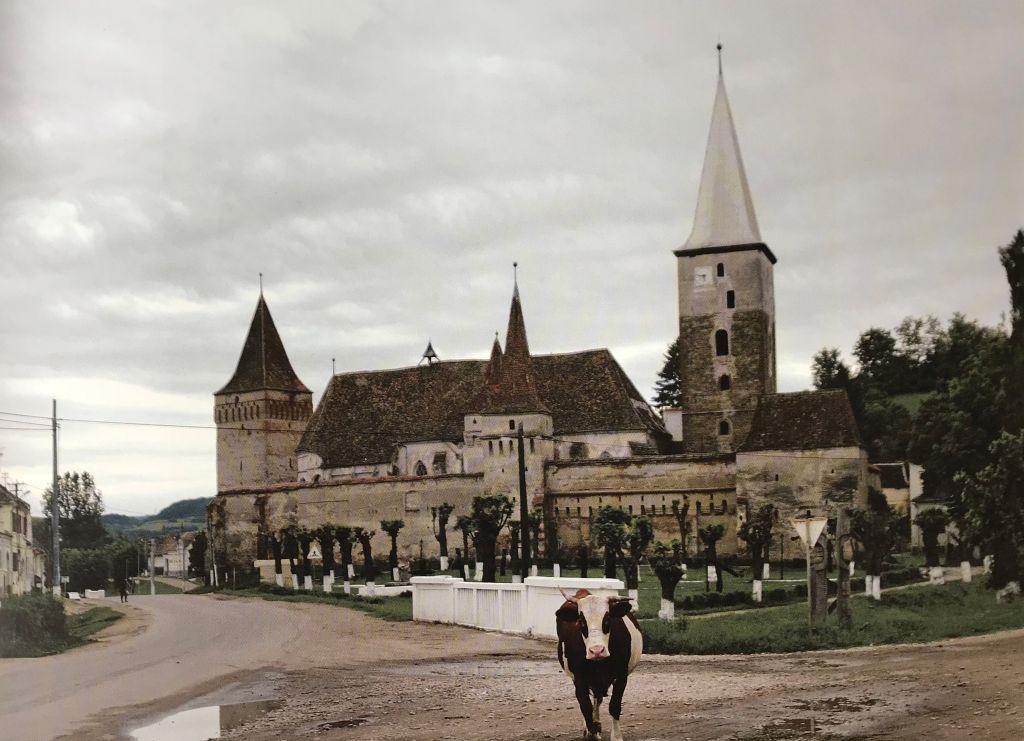 Kirchenburg in Meschen aus dem Bildband Stillleben nach dem Exodus von Peter Jacobi