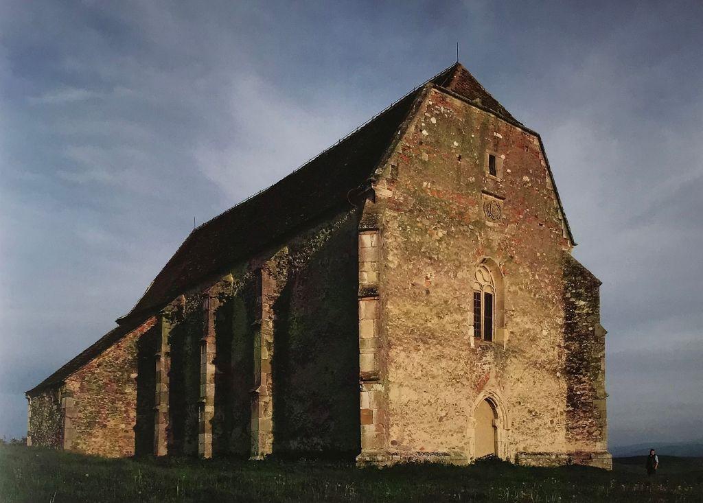 evangelische Kirche in Weingartskirchen aus dem Bildband Stillleben nach dem Exodus von Peter Jacobi