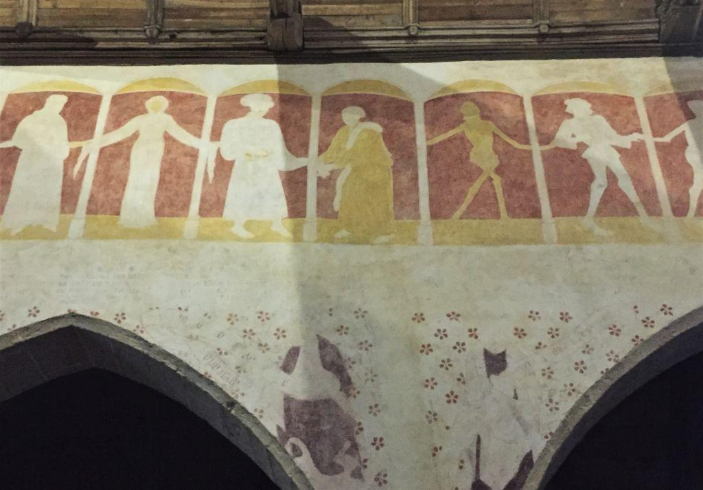 Wandgemaelde Danse macabre in der Kapelle Kermaria an Iskuit