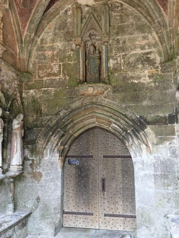 Eingang zur Kapelle Kermaria an Iskuit Cotes D'Armor