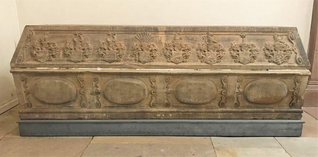 Sarkophag von Friedrich Christian Graf von Alefeld in der Thomaskirche in Strasbourg im Elsass
