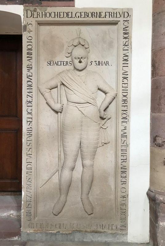 Grabplatte Kanofski von Langenthal in der Thomaskirche in Strasbourg im Elsass