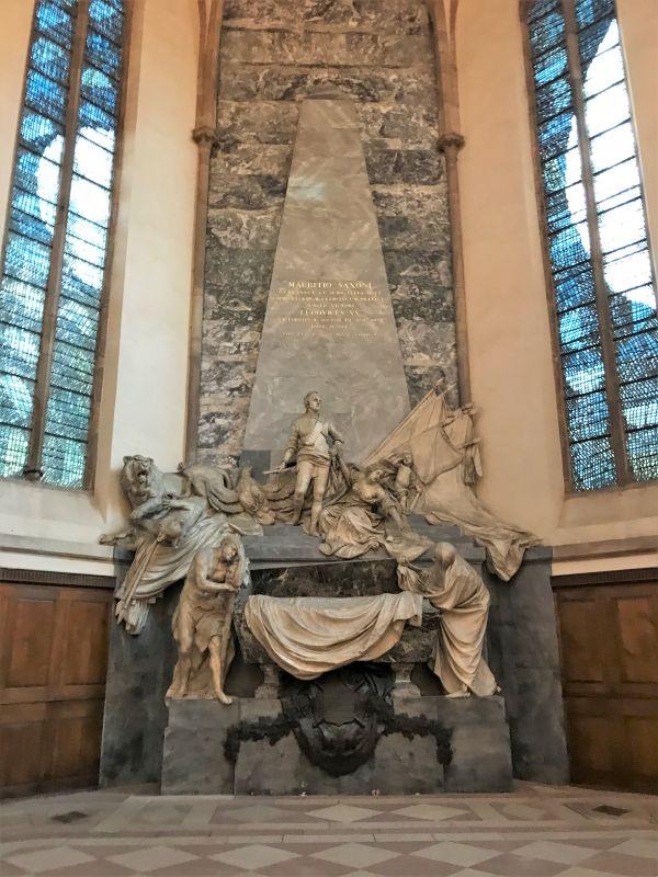 Grabmonument von Pigalle für den Marschall Moritz von Sachsen in der Thomaskirche in Strasbourg