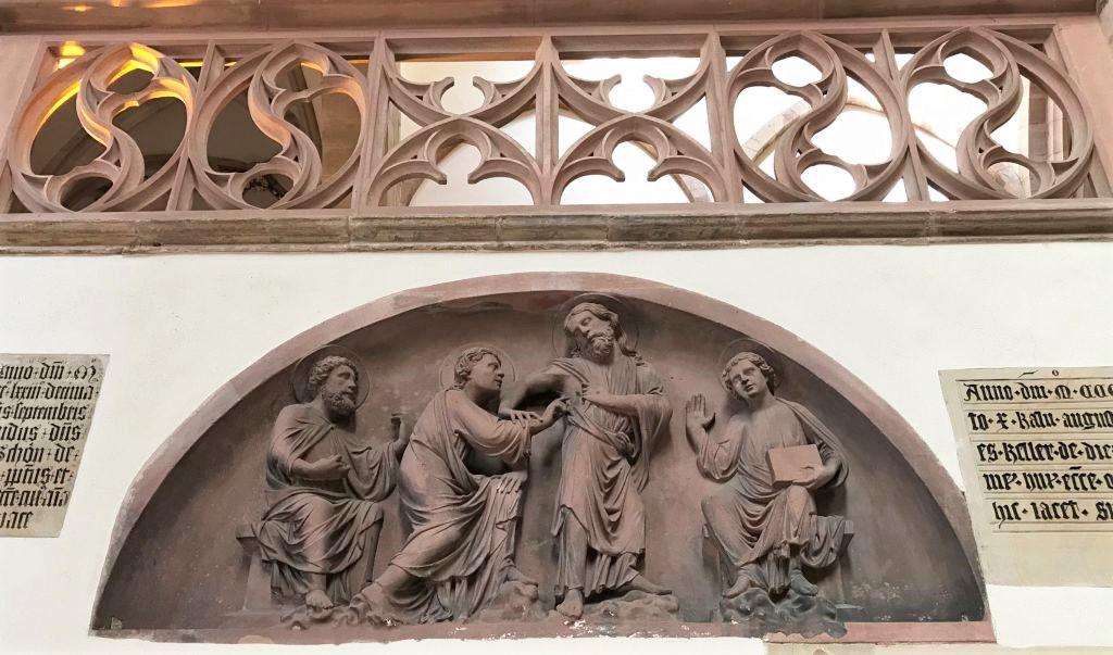 Tympanon mit dem Heiligen Thomas in der Eglise Saint Thomas in Strasbourg