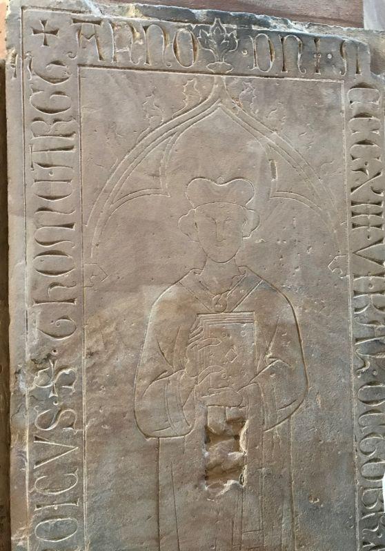 mittelalterliche Grabplatte in der Thomaskirche in Strassbourg, Elsass